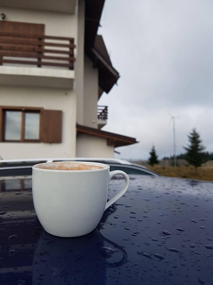 O cafea fierbinte …. de dimineata …