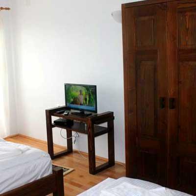 10-televizor-in-camera